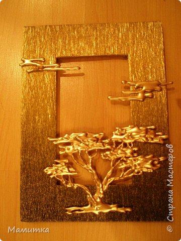 Декор предметов Поделка изделие Украшение Моделирование конструирование Пано из пистолетного клея Бумага гофрированная Клей фото 2