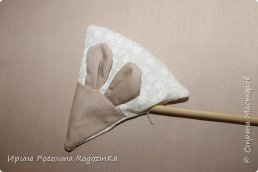 Мастер-класс Новый год Шитьё Новогодняя мышка МК по изготовлению Краска Нитки Сутаж тесьма шнур Ткань фото 13