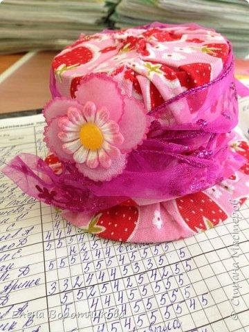 Нет, наверное, ни одной страны, где бы не отмечался День матери. Мы в классе для мам решили сделать игольницы. По мастер-классу https://stranamasterov.ru/node/6412 . За что большое спасибо!  фото 10
