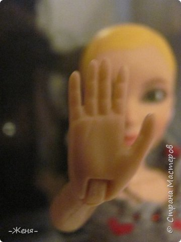 Всем приветик!!! Давненько нас не было. ( Я бы даже сказала чересчур давненько) Уроки, школа, времени даже на маленькую кукольную футболочку не хватает:( Но всё же я нашла время (с 8 до 10 часов ночи) и сшила домашний костюм для Жени. Ведь не будет же моя кукляшка в костюме Медузы  Горгоны по дому ходить? (Это фото - заставка) фото 8