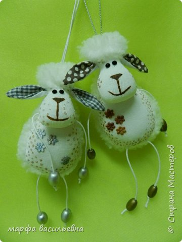 Добрый всем вечерочек.Вот нашила овечек целый килограмм.Они на вид простые,но возни с ними.Но возня приятная. фото 6
