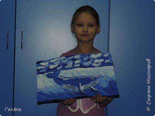 С началом нового учебного года продолжились мои уроки ИЗО в Детском Центре КАПИТАН.За три месяца собралась папочка новых работ.Делюсь ими с вами,надеюсь кому-нибудь они пригодятся в профессиональной и творческой деятельности.  Синий кит.Гуашь. фото 5