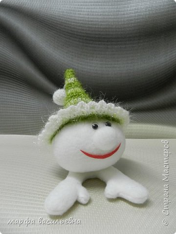 Сначала появилась шляпа.Я начала вязать елочку,не хватило пряжи для такой какую я задумала.Пришлось выкручиваться.Вот выкрутилась. фото 2