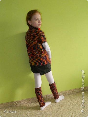 У моей дочери в школе тепло, в кофте жарко а в жакете на короткий рукав самый раз.Купила нитки YarnArt rainbow и обычной лицевой гладью и спицами № 3 связала наборчик. фото 4