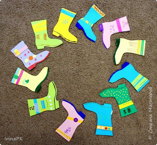 """Наше Чудо-дерево (по К.И.Чуковскому) – это дерево, на котором растут шапки да сапожки и даже шлепки на любой вкус. Выбирай, примеряй! Это работы детей по теме """"Одежда, обувь, головные уборы"""". Решила оформить их в виде чудо-дерева, т.к. в это время изучали творчество К.И. Чуковского, читали его сказки. фото 7"""
