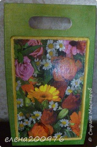 """Думаю, что любая женщина будет рада получить в подарок разделочные доски. Их можно использовать как по прямому назначению, так и для украшения интерьера кухни, создания особого , только Вашего уюта. Свою кухню я украсила вот такими досочками. Набор """"Ягодно-цветочное ассорти"""". фото 3"""