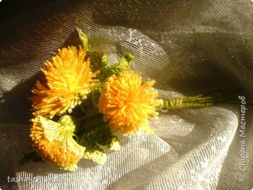 Сегодня я совсем не зимнюю работу покажу.  НУ люблю я делать подарки! Сегодня у нашей медсестры ДР. А она по какому-то там гороскопу - Одувашка! И жуть, как любит этот цветок.    Так быстро сделала эту брошку, сама не заметила.  А Спасибо за МК Моей подружке-соседушке Наташеньке Плиско! (https://stranamasterov.ru/node/830396?c=favorite) фото 1