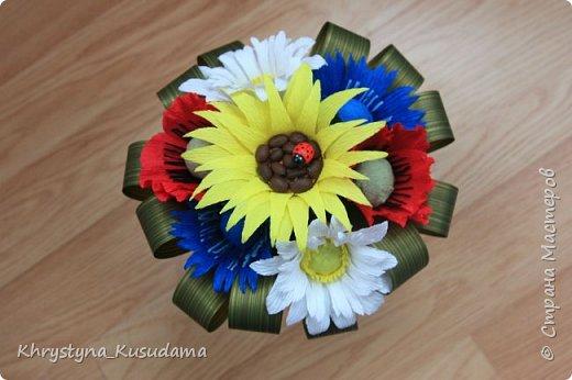 делать какой-то цветок впервые очень сложно и интересно фото 1