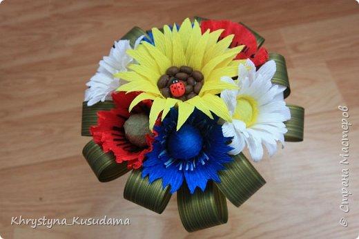 делать какой-то цветок впервые очень сложно и интересно фото 4