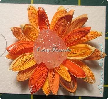 Вот такие пушистые хризантемы я делала для юбилейной открытки для мамы. http://stranamasterov.ru/node/836138 Идею мастер-класса подсказала Валентина Петровна. Возможно кому-то еще пригодится. фото 6