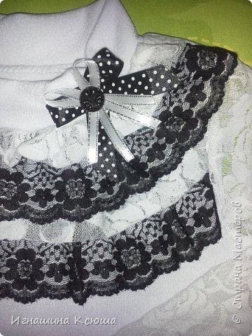 в этом году старшая дочь пошла в первый класс. как выяснилось - кофточек много не бывает. у нас в классе тепло и поэтому рукава решила делать из гипюра.  чёрные кружева остались от пошива юбки (ранее выкладывала в блоге)- нашла им применение фото 2