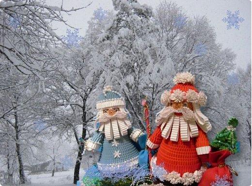 Зима припорошила искрящимся снегом городские улицы, надела на деревья роскошный наряд. Мороз покрыл причудливыми узорами окна домов, заковал реку в ледяные оковы. Это значит, что скоро Новый Год! фото 1