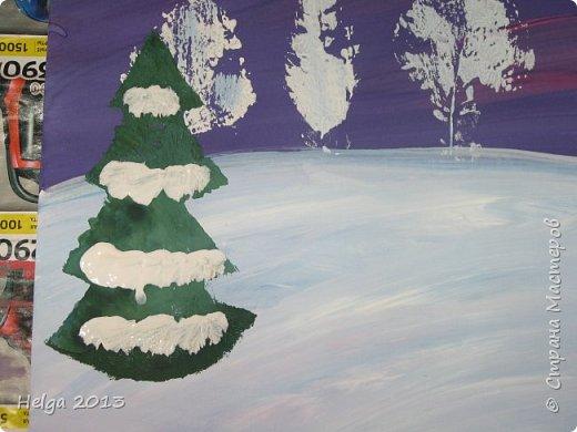 Первый рисунок - это заснеженное дерево с совами. Нам понадобится: лист бумаги А3 или А4, гуашь, кисти №1, 5, 9, вилка пластмассовая, ватные палочки, крупа манная. фото 24