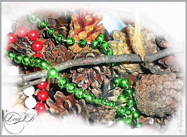 Добрый вечер!!! Осталось совсем немного времени до Нового года!!! Может быть ещё успеете сделать новогодний веночек из природных даров? Предлагаю вашему вниманию мастер-класс (он состоит из двух частей!), по которому я и наваяла маленькое чудо.   Вторая часть МК - https://stranamasterov.ru/node/863131 фото 7