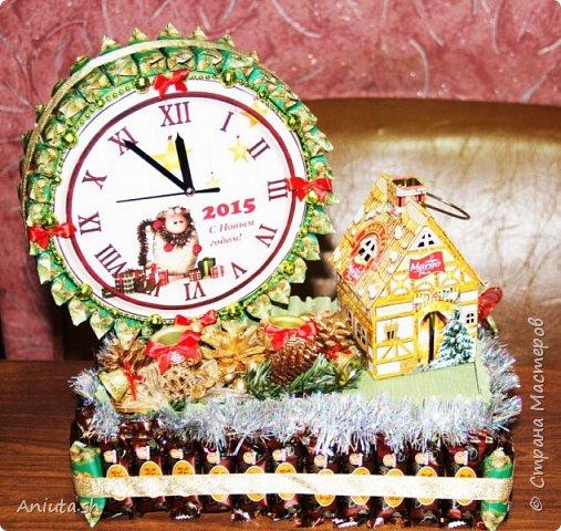 Конфетные часы с чайным домиком.