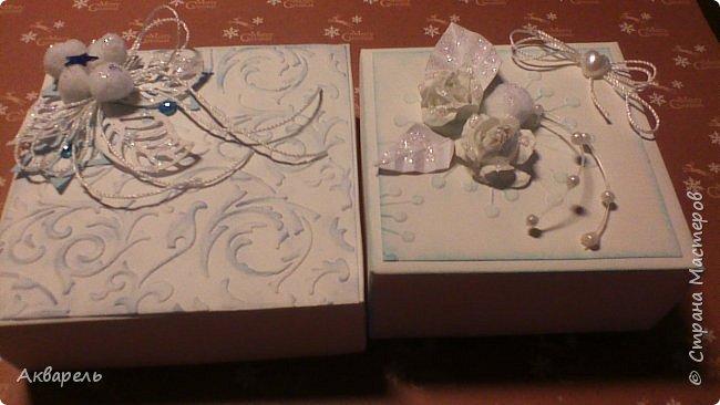 У меня нет времени делать столько открыток, вот я и совместила коробочка-открытка, это упаковка для мыльца. Фотографий много, коробочек много. А вообще оказалось маловато, надо еще делать. фото 10
