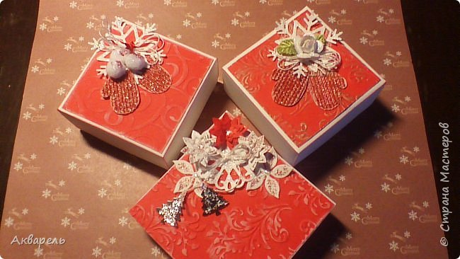 У меня нет времени делать столько открыток, вот я и совместила коробочка-открытка, это упаковка для мыльца. Фотографий много, коробочек много. А вообще оказалось маловато, надо еще делать. фото 16