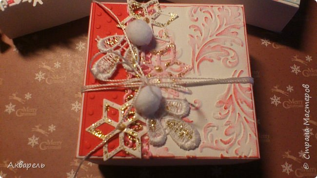 У меня нет времени делать столько открыток, вот я и совместила коробочка-открытка, это упаковка для мыльца. Фотографий много, коробочек много. А вообще оказалось маловато, надо еще делать. фото 22