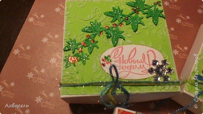 У меня нет времени делать столько открыток, вот я и совместила коробочка-открытка, это упаковка для мыльца. Фотографий много, коробочек много. А вообще оказалось маловато, надо еще делать. фото 26