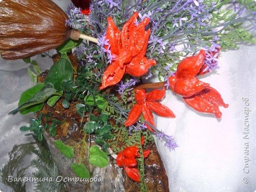 Рада приветствовать всех жителей нашей прекрасной Страны Мастеров! В предверии Нового года это, пожалуй, моя последняя работа. Делала эту композицию для своей любимой невестки. Использовала высушенный гриб- трутовик, высушенные коробочки лотоса и древовидных пионов, иск. зелень. фото 6