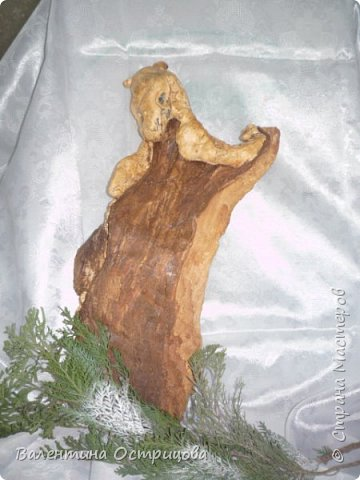 Рада приветствовать всех жителей нашей прекрасной Страны Мастеров! В предверии Нового года это, пожалуй, моя последняя работа. Делала эту композицию для своей любимой невестки. Использовала высушенный гриб- трутовик, высушенные коробочки лотоса и древовидных пионов, иск. зелень. фото 20