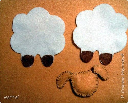 Уважаемые мастера и мастерицы совсем скоро к нам придет замечательный праздник НОВЫЙ ГОД, на синей деревянной «Овце» (Козе). Поэтому я вам предлагаю заранее приготовиться к встрече Нового года и овечку «Долли». Эту овечку я увидела у мастерицы Светланы Канаевой в её блоге http://iskusnitsa-tm.ru/blog/43060279973/Ovechka-iz-drapa?utm_campaign=transit&utm_source=main&utm_medium=page_0&domain=mirtesen.ru&paid=1&pad=1&tmd=1. Решила такую овечку сшить и по пути плучился вот этот небольшой МК.  И так для работы нам понадобиться: Фетр (белый, бежевый, коричневый); Нитки, швейная иголка; Синтепон; Атласная тесьма; Ножницы.  фото 6
