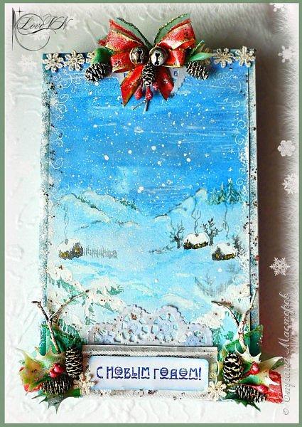 Здравствуйте, жители Страны Мастеров! Сегодня хочется с вами поделиться идеями, как упаковать и украсить новогодние подарочки.  В первом варианте я упаковывала коробку конфет. Обернула коробочку бумагой, сверху наклеила рисунок:
