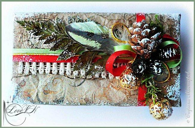 Здравствуйте, жители Страны Мастеров! Сегодня хочется с вами поделиться идеями, как упаковать и украсить новогодние подарочки.  В первом варианте я упаковывала коробку конфет. Обернула коробочку бумагой, сверху наклеила рисунок:  фото 9
