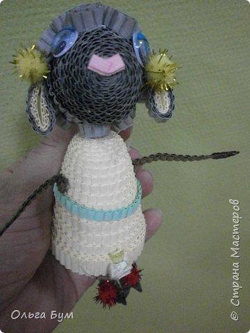 """Вот таких овечек мы сделали к Новому Году! Ножки привязаны на ленточку внутри и качаются, так что овечки """"умеют танцевать"""". фото 3"""