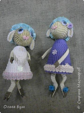 """Вот таких овечек мы сделали к Новому Году! Ножки привязаны на ленточку внутри и качаются, так что овечки """"умеют танцевать"""". фото 5"""