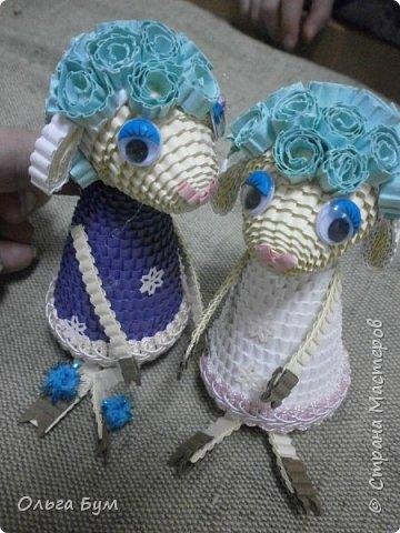 """Вот таких овечек мы сделали к Новому Году! Ножки привязаны на ленточку внутри и качаются, так что овечки """"умеют танцевать"""". фото 6"""