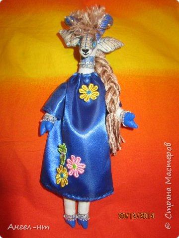 Вот такие милые козочки-модницы получились к новому году. Спасибо за мастер-класс Елена - вот ссылка- http://www.liveinternet.ru/users/4625447/post325216139/ Я немного добавила своих идей - строго не судите.  фото 7