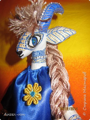 Вот такие милые козочки-модницы получились к новому году. Спасибо за мастер-класс Елена - вот ссылка- http://www.liveinternet.ru/users/4625447/post325216139/ Я немного добавила своих идей - строго не судите.  фото 8