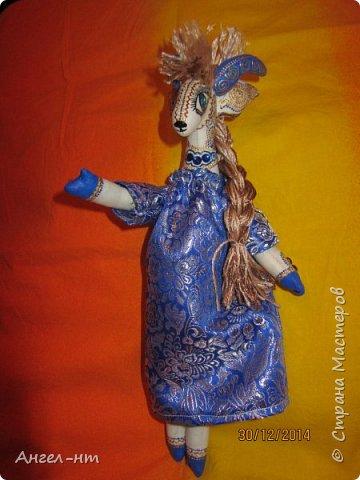 Вот такие милые козочки-модницы получились к новому году. Спасибо за мастер-класс Елена - вот ссылка- http://www.liveinternet.ru/users/4625447/post325216139/ Я немного добавила своих идей - строго не судите.  фото 16