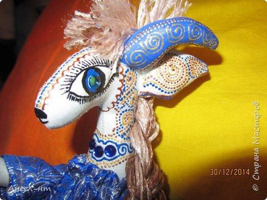 Вот такие милые козочки-модницы получились к новому году. Спасибо за мастер-класс Елена - вот ссылка- http://www.liveinternet.ru/users/4625447/post325216139/ Я немного добавила своих идей - строго не судите.  фото 19