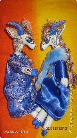 Вот такие милые козочки-модницы получились к новому году. Спасибо за мастер-класс Елена - вот ссылка- http://www.liveinternet.ru/users/4625447/post325216139/ Я немного добавила своих идей - строго не судите.  фото 18