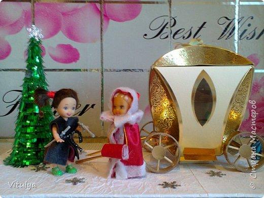 """Работа на городской конкурс """"Зимняя сказка"""". Все началось с коробочки из-под конфет. Не поднялась рука выбросить, уж очень она походила на золотую карету Золушки, но мы инсценировали другую сказку.... фото 1"""