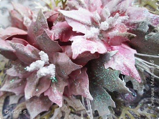 """Добрый день, дорогие мастера и мастерицы! Поздравляю вас с наступившим Новым годом и Рождеством! Мира, счастья, любви и добра! Хочу показать несколько открыток, сделанных к празднику. Цветы в открытках сделаны при помощи ножа """"пуансеттия"""". фото 23"""