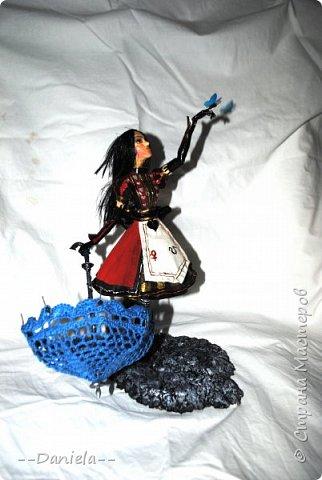 """Приветствую всех и каждого, кто решил ко мне заглянуть!  Один раз уже делала Алису из игры """"Алиса: Безумие Возвращается"""", но в другом платье. На смену """"Паровому стилю"""" пришел """"Королевский костюм"""".  фото 3"""