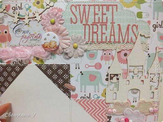 Альбом для маленькой принцессы размером 25*25, обложка обтянута хлопком, украшена кружевом, чипбордом в виде замка, топсом с бантом и пуговкой. Завязывается на ленту: фото 18