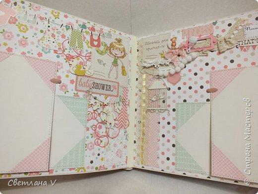 Альбом для маленькой принцессы размером 25*25, обложка обтянута хлопком, украшена кружевом, чипбордом в виде замка, топсом с бантом и пуговкой. Завязывается на ленту: фото 24