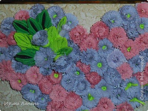 Приветствую  Всех! Сердце  из  пушистых  цветов. Формат  панно  А4, под  стеклом, рамочка  углублённая. фото 4