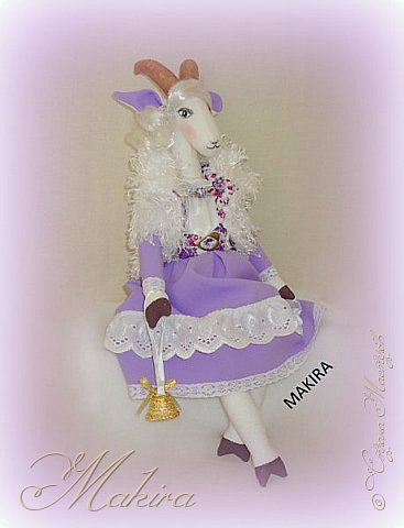 Коза - Дереза на подставке, рост 46 см. фото 3