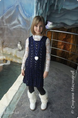 Вязала племяннице платье ко дню рождения, нитки купила АЛИЗЕ шекерим чёрные с синим люрексом и синими пайетками, так как девочка у нас уже взрослая, платье решено   было сделать ажурным и без рукавов.  фото 1