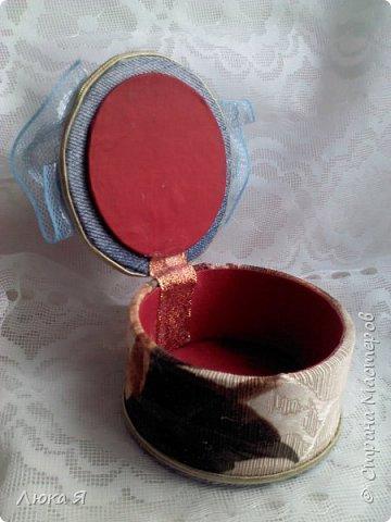 Впервые изготовила из бобин игольницу и шкатулку  фото 5