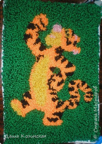 Вот моя первая работа в технике ковровой вышивки. Мой дебют.  фото 1