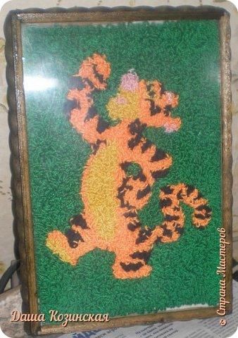 Вот моя первая работа в технике ковровой вышивки. Мой дебют.  фото 3