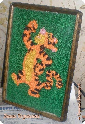 Вот моя первая работа в технике ковровой вышивки. Мой дебют.  фото 4