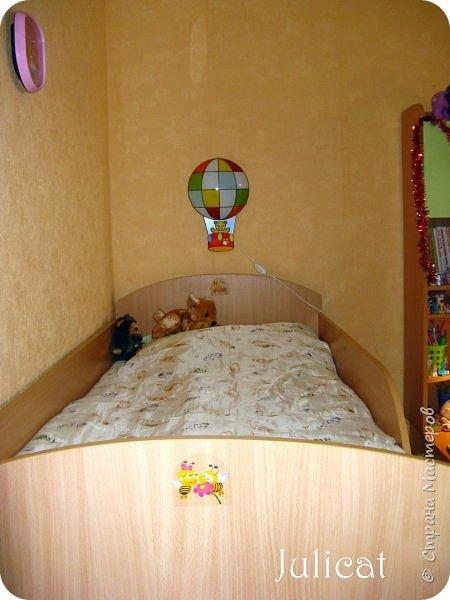 Приветствую, Вас, уважаемые гости моего блога!!! Сегодня познакомлю Вас моим проектом - мебель для младшей доченьки Катюши - кровать-чердак и письменный стол с надстройкой. История начинается еще с 2011 года - наберитесь терпения;)  В нашей квартире мы с мужем и наша младшая 6-летняя доченька размещаемся в одной комнате. Можно сказать, что мы живем в детской, поскольку в комнате, которая еще в моем детстве, всегда называлась детской, живет наша старшая дочь, которой уже 21 год.  Итак, на площади 17 кв.м мы с мужем всегда старались выделить для младшенькой свою зону. фото 14