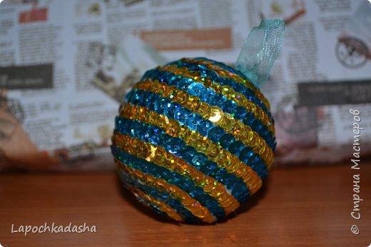 В этом году решила сделать подарки своими руками, вот такие шарики я подарила бабушке на Новый год фото 3